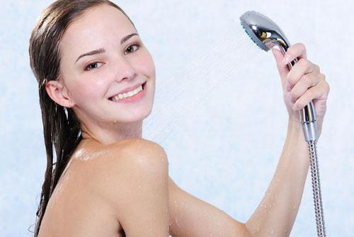 Chăm sóc vòng 1 đúng cách giúp bầu ngực luôn săn chắc và căng tròn