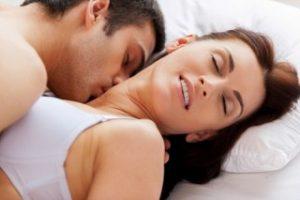 """Sau khi phẫu thuật nâng ngực bao lâu thì có thể """"chiều chồng""""?"""
