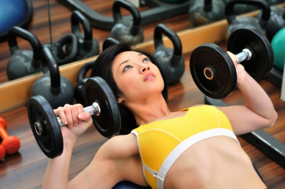 Tap co nguc tren1 2 bài tập cơ ngực trên mang lại hiệu quả nhanh chóng