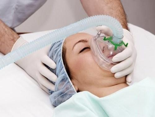 Cùng chuyên gia thẩm mỹ bàn về nâng ngực an toàn 2