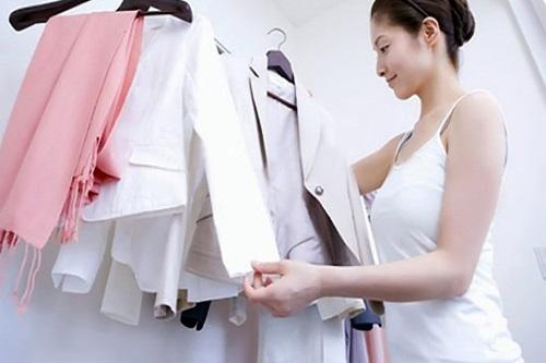 Cách làm ngực nhỏ lại bằng cách lựa chọn trang phục phù hợp