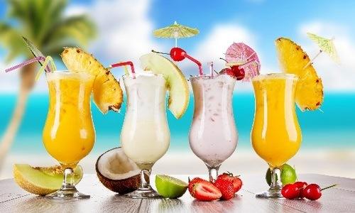 Cách làm to ngực tự nhiên nhờ uống sinh tố
