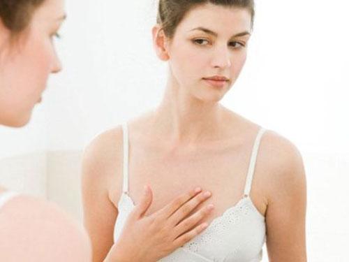 Tại sao ngực nhỏ? Có nhiều nguyên nhân khiến ngực nhỏ